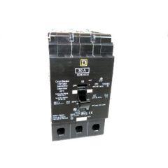 Square D EDB34030 3-Pole 30 Amp Molded Case Circuit Breaker